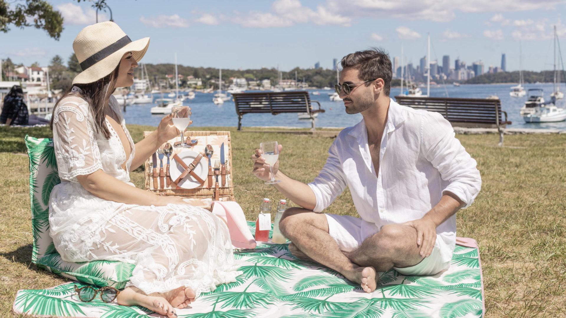 couple enjoying picnic at watsons bay